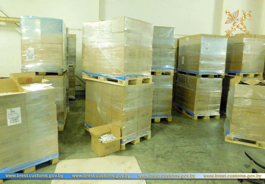 Таможня не пустила в ЕАЭС 97 тысяч упаковок корма для собак и кошек