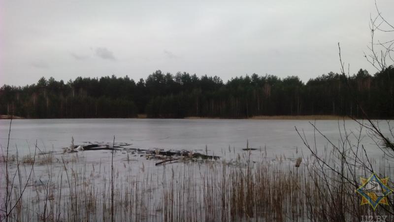 В Кобринском районе спасли провалившегося под лед мужчину