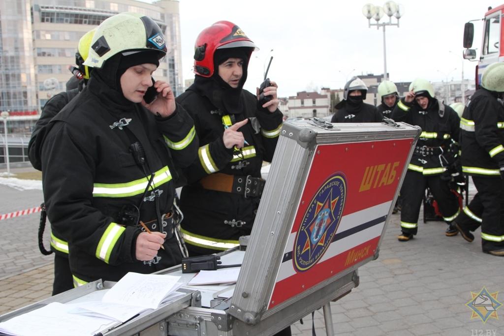 """25 машин и 100 спасателей - учения МЧС на """"Минск-Арене"""""""