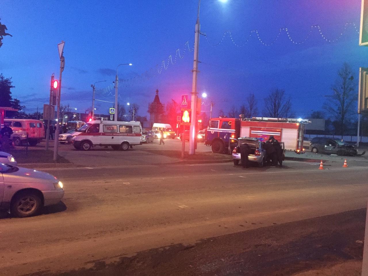 Скорая с роженицей попала в ДТП в Бобруйске