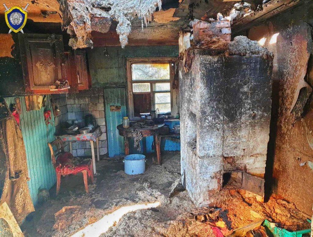 Два человека погибли на пожаре в Кировске