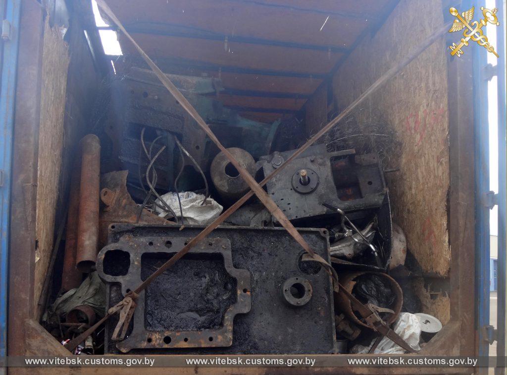 Таможенники не пропустили в Россию более 40 тонн металлолома