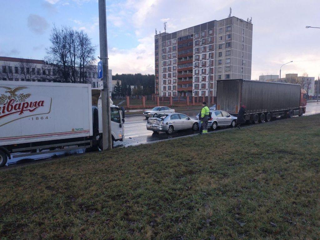 Грузовик «Аливарии» устроил массовое ДТП в Минске