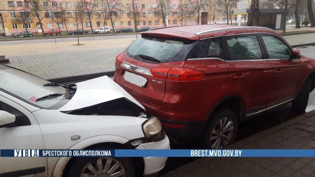 Четыре автомобиля пострадали в ДТП в Бресте
