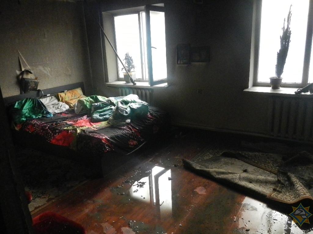 В Ельске жилой дом загорелся из-за короткого замыкания