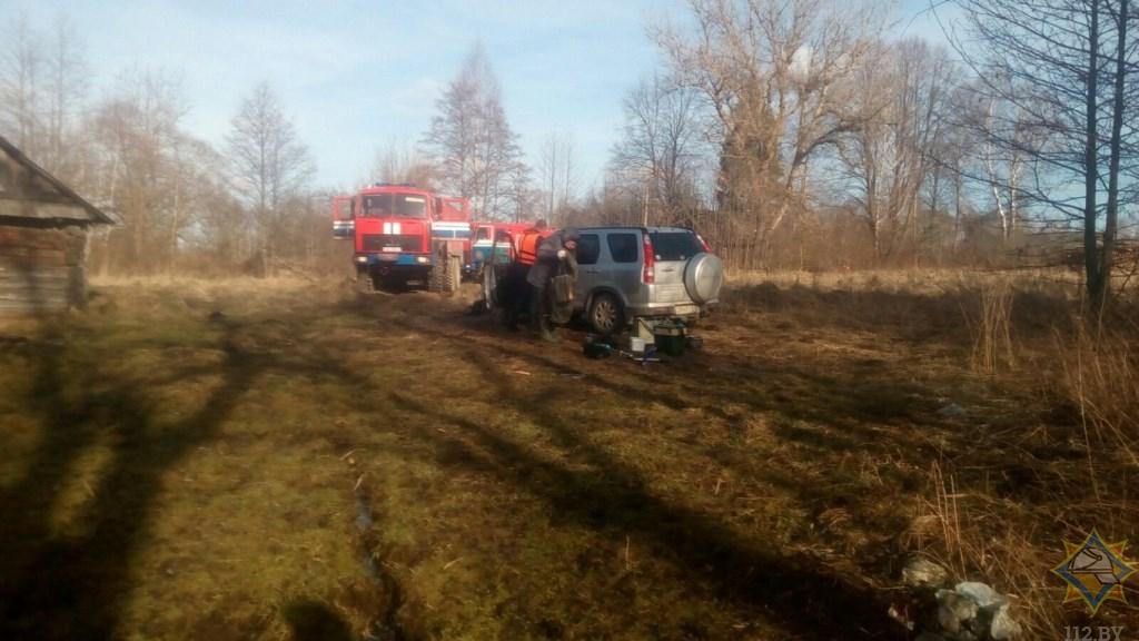 Мужчину спасли из озера в Сенненском районе