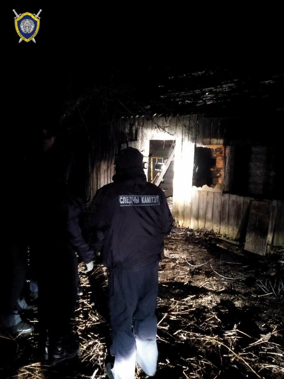Двое мужчин погибли на пожаре в Борисовском районе