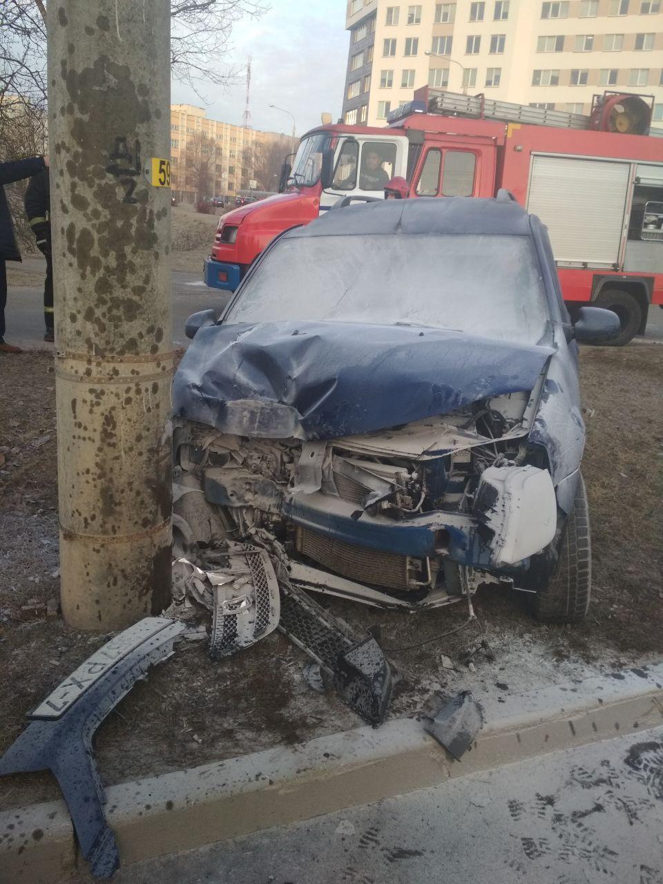 Cherry и Lada не поделили дорогу в Минске