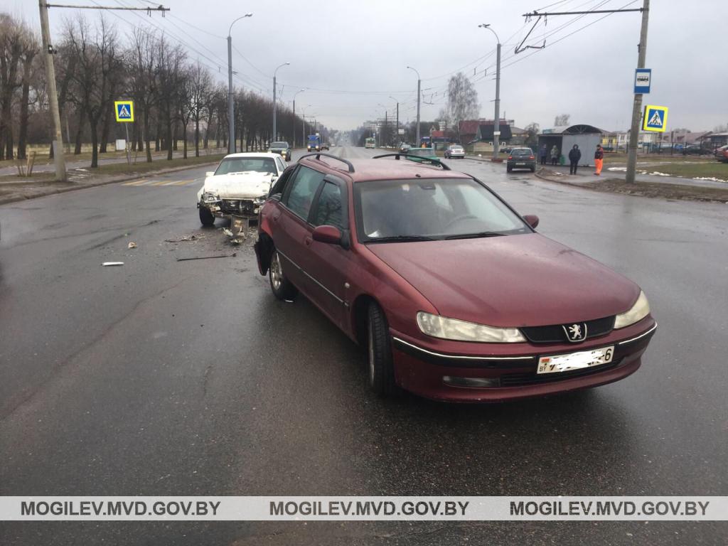 Газовый баллон травмировал водителя при аварии в Могилеве