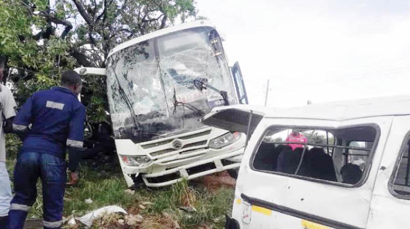 Автобусы из Беларуси пугают зимбабвийских депутатов