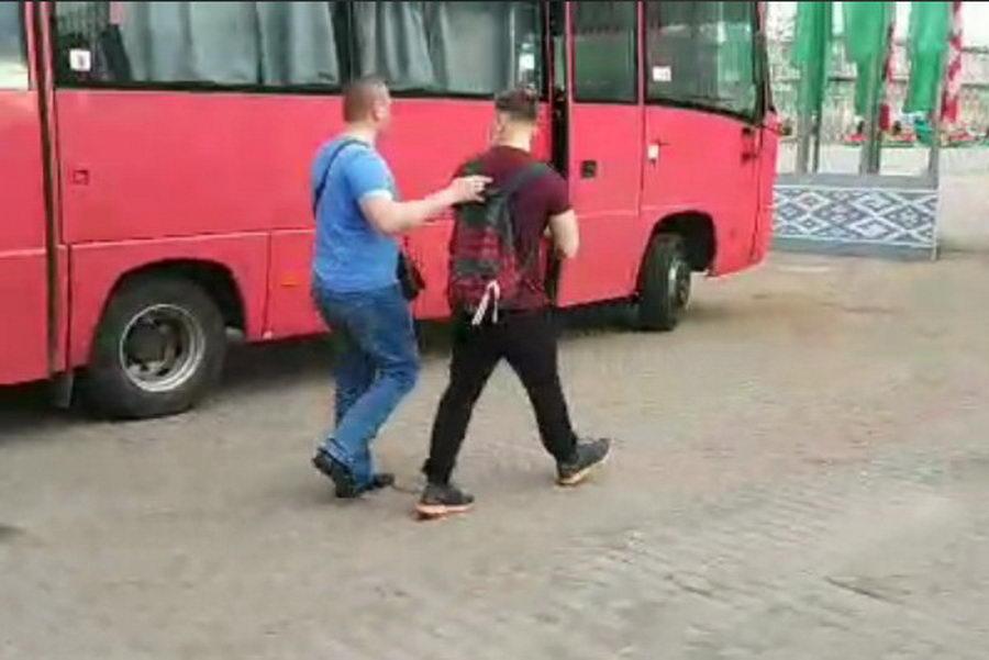 Сегодня в Беларуси снова задерживают участников цепей солидарности