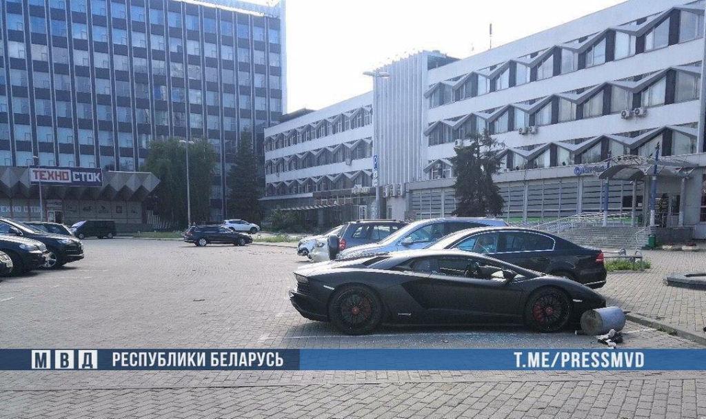 Пьяный россиянин разгромил Lamborghini Aventador в Минске