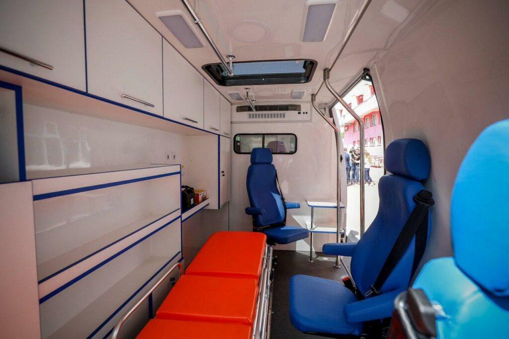 10-я больница Минска получила автомобиль скорой помощи  в подарок