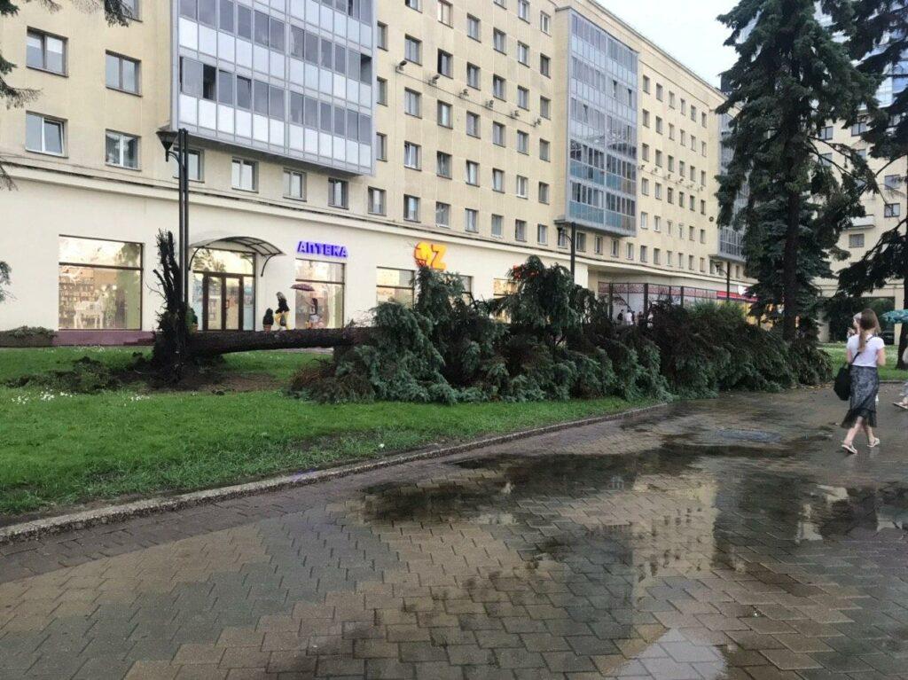 На Минск обрушилась гроза