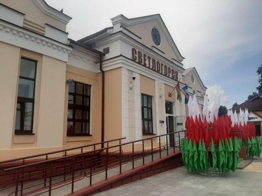 Состоялось открытие движения на железнодорожном участке Светлогорск-Жлобин-Минск