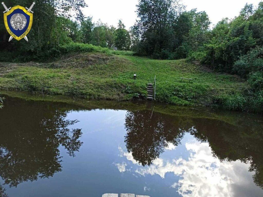В Витебском районе 14-летняя девочка утонула, спасая мальчика