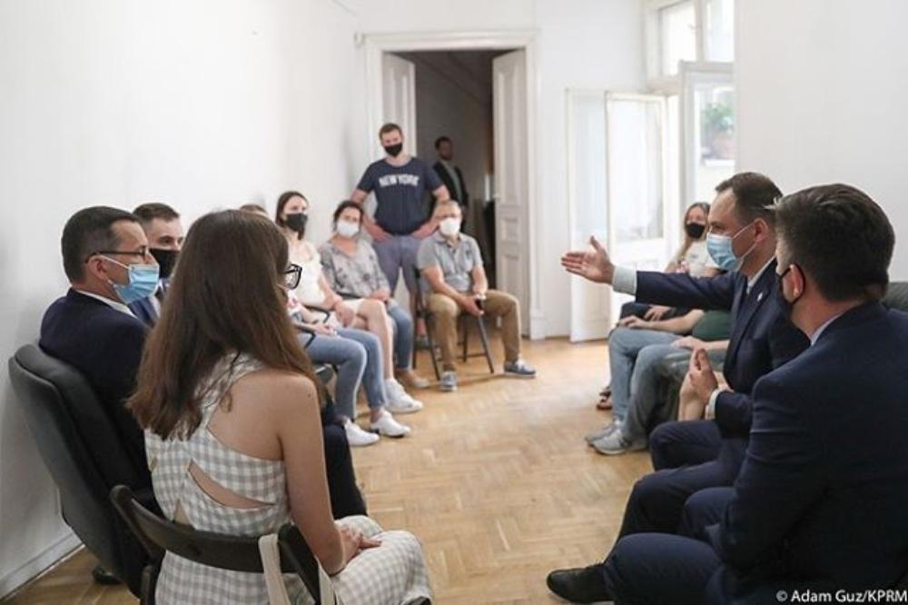 Премьер-министр Польши встретился с редакцией Nexta-TV