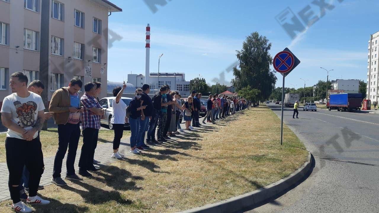 Все больше предприятий присоединяется к протестам и забастовке: онлайн