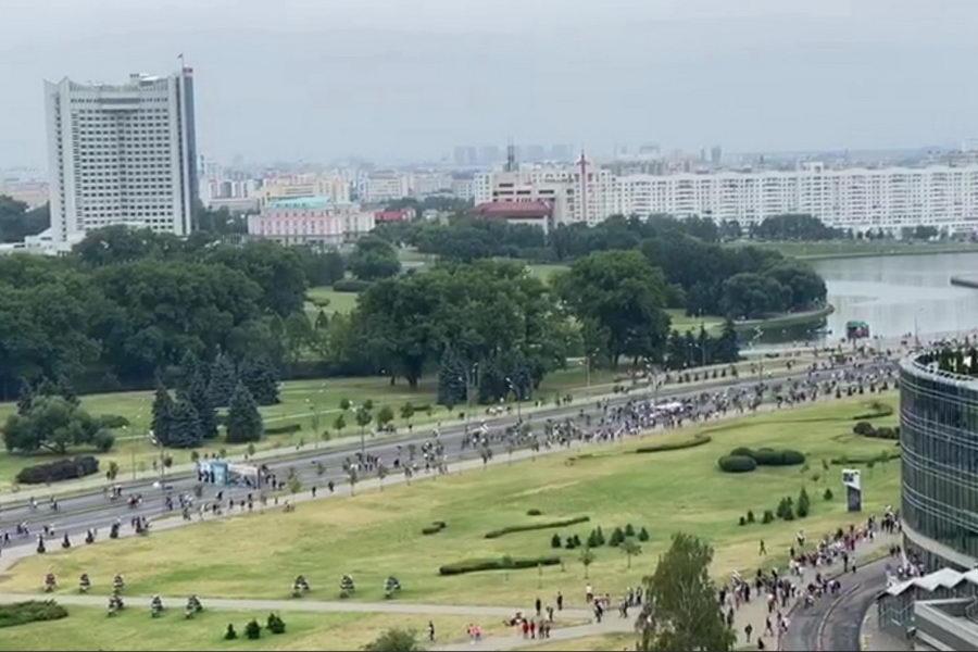 В Минске прошла многосоттысячная акция протеста