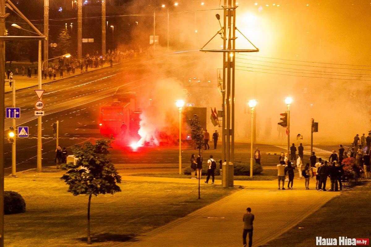 Что происходило в Минске в ночь после выборов: фото и видео