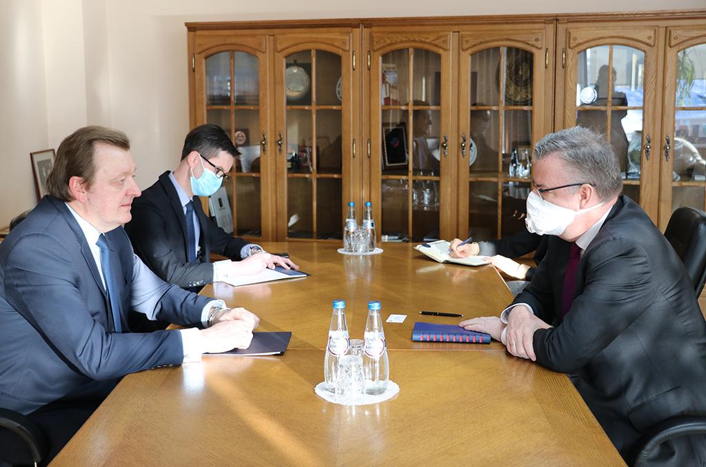 Посол ЕС на встрече в МИД РБ потребовал освобождения заключенных и доступа к Игорю Лосику