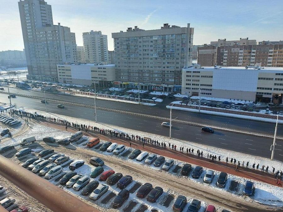 В Беларуси люди выстраиваются в цепи солидарности