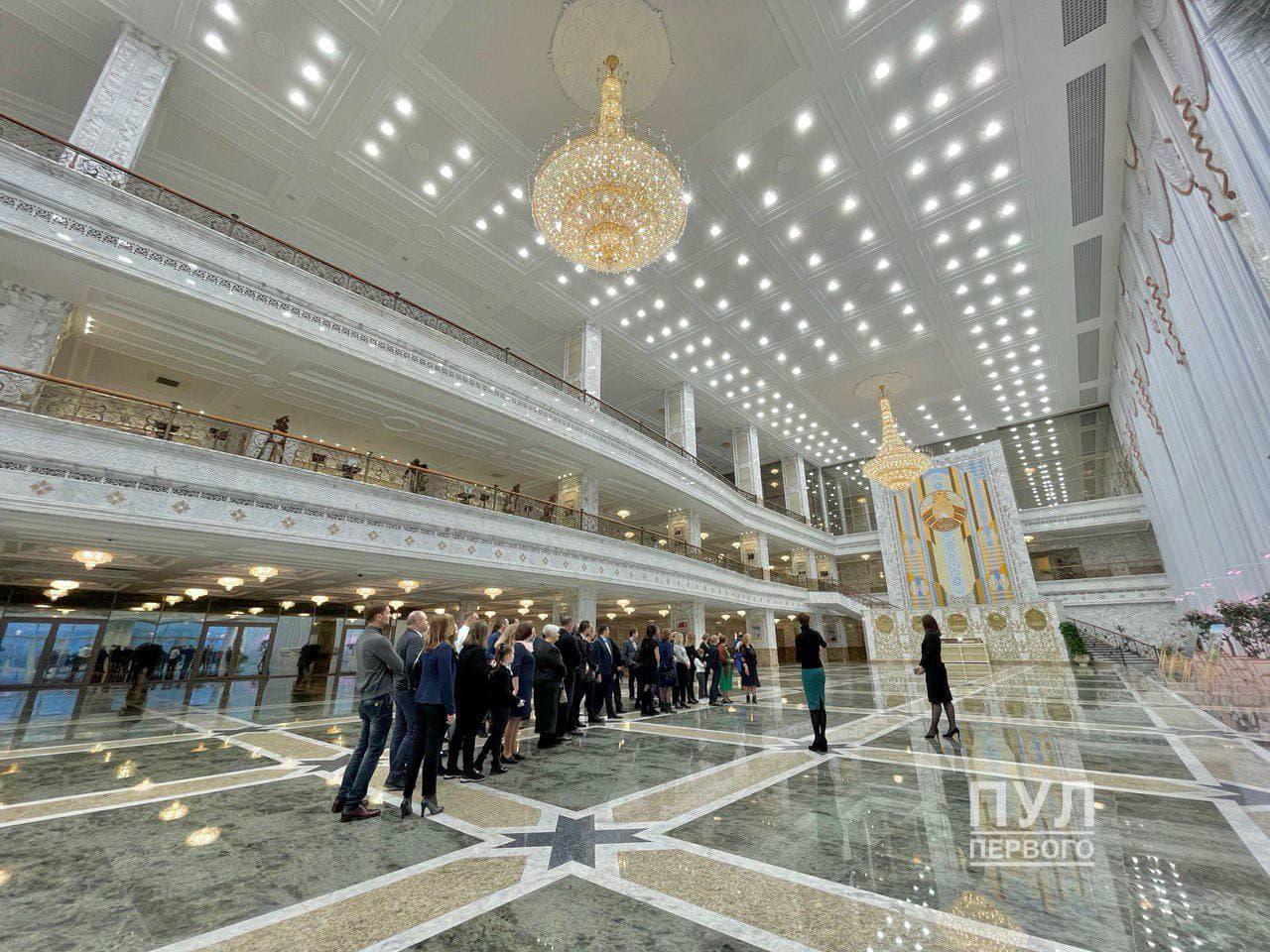 Участников автопробегов «За единую Беларусь» пригласили во Дворец независимости