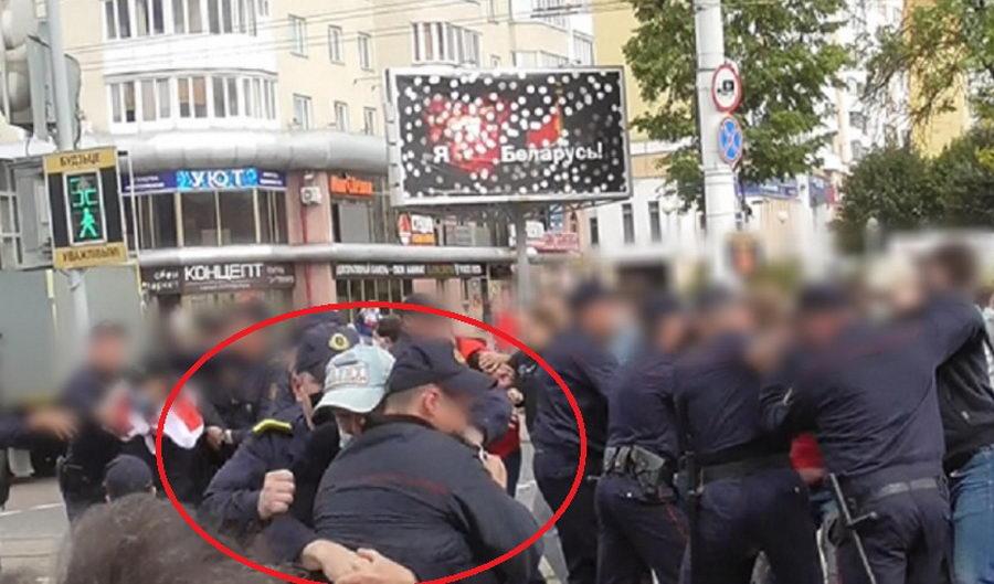 Мужчину обвиняют в нападении на милиционеров на акции протеста в Витебске