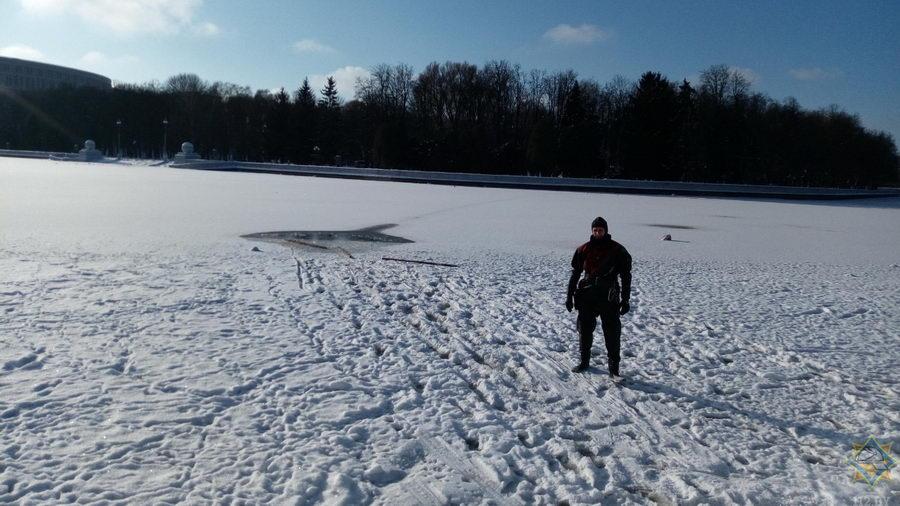 В Минске из Свислочи спасли рыбака
