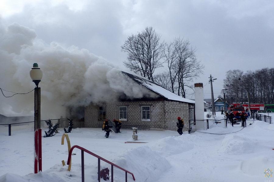 В Гомельском районе горела сельская библиотека