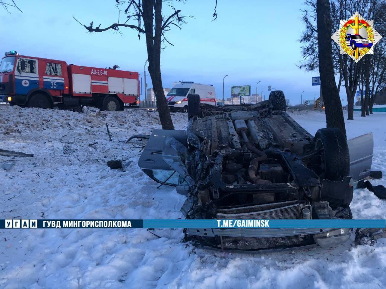 На МКАД перевернулся Opel: водителю стало плохо за рулем