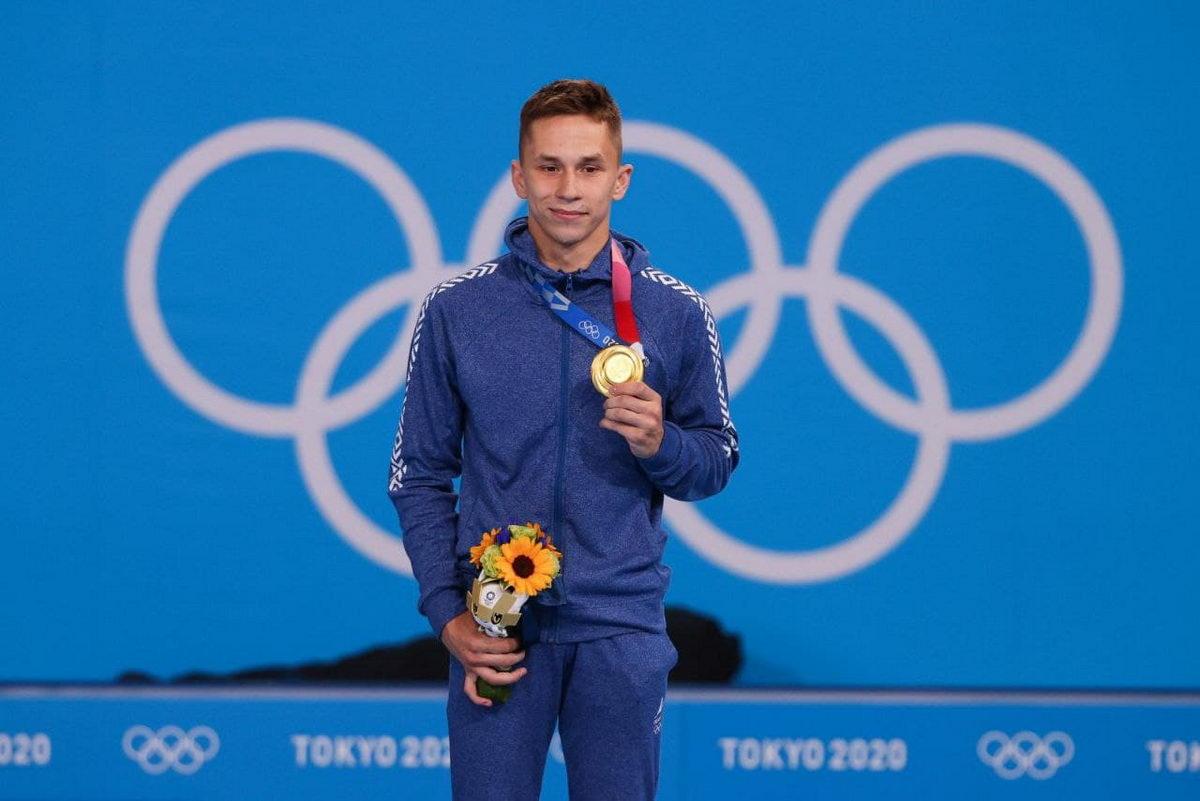 Первое золото Олимпиады: белорусский батутист допрыгнул до пьедестала